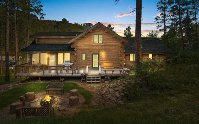 Rental Cabin 18 Luxury in the Black Hills