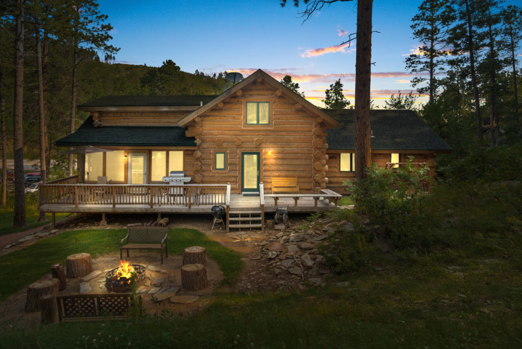 Rental Cabin 18 Luxury in the Black Hills