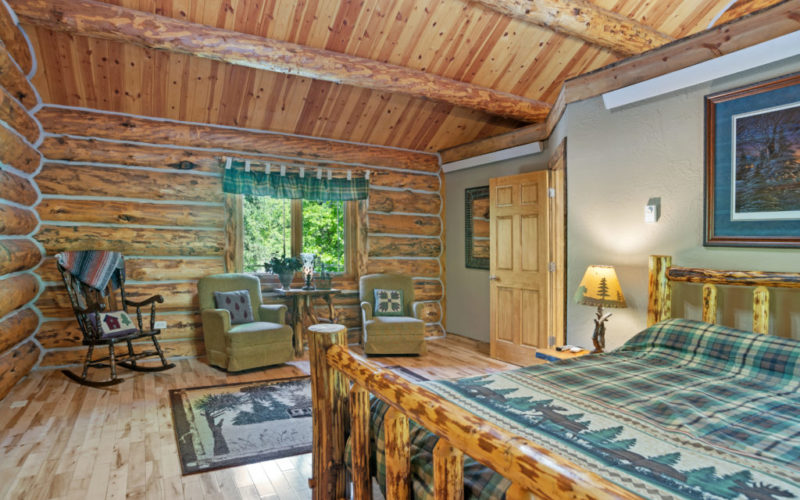 Black Hills Cabin 18 Bed