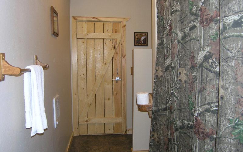 Cabin 11 Bathroom