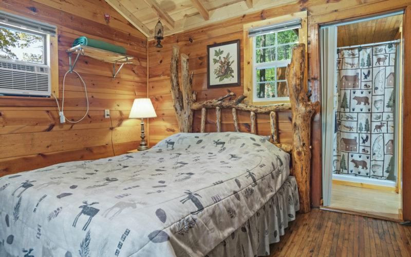 Cabin Rentals #17 - Bed