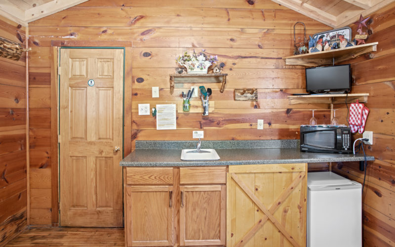 Cabin Rentals #17 - Kitchenette