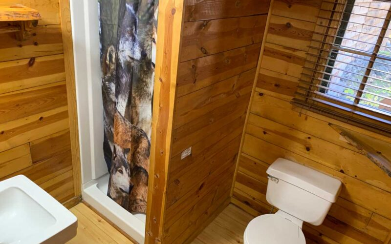 Vacation Rental Cabin 5 Bathroom - Black Hills