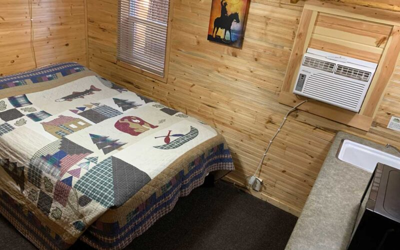 Cabin Rental #6 Bed