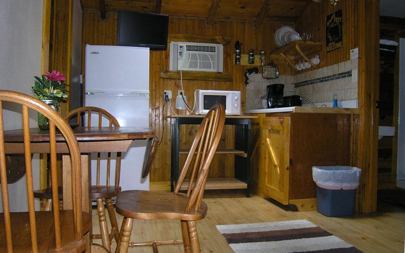 Cabin Rental - Cabin 2 Dining